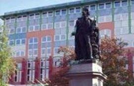 Csokonai szobor Látnivalók Debrecen, Csokonai szobor Látnivalók Debrecenben,
