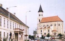 Szent Kereszt római katolikus templom_Látnivalók Mór , Szent Kereszt...