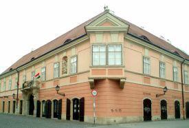 Rómer Flóris Művészeti és Történeti Múzeum - Esterházy-palota...