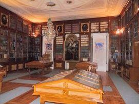 Egyházmegyei Kincstár és Könyvtár - volt papnevelde Látnivalók Győr, Egyházmegyei Kincstár és Könyvtár - volt papnevelde Látnivalók Győrben,