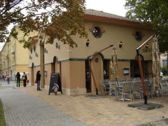 La Rocca Caffé & Bar_Kávéház és cukrászda , La Rocca Caffé & Bar...