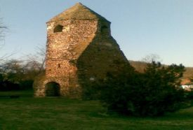 Kirchenruine von Avas-Csonka-Turm_ , Kirchenruine von Avas-Csonka-Turm  ,