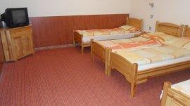 Négyágyas szoba terasszal
