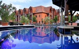 Mesés Shiraz Wellness & Tréning Hotel