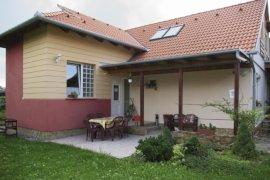 - családbarát hotelek Ófalu