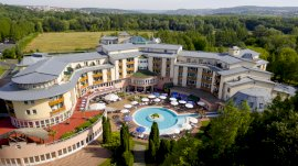 Fürdővárosi gyógyfürdőhöz közeli hotelek