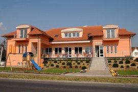 - vízparti szállodák Sárfimizdó