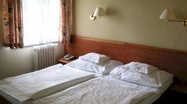 Háromágyas szoba - Anna ép.