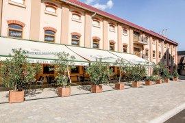 - konferencia szállodák Buj