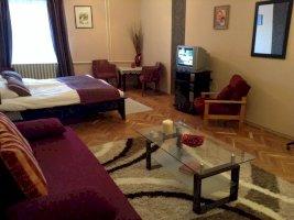 -  - vendégházak  -  apartmanházak apartmanházak