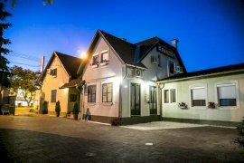- csongrádi apartmanházak