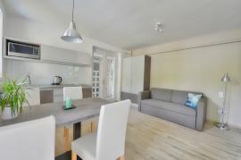 Villa 3 Premium apartman terasszal, 1 hálószobás