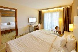 Összenyitható, 2 légterű családi szoba