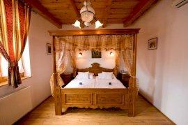 Baldachinos szoba
