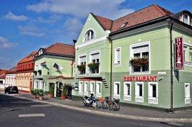 - nászutas hotelek Győrszentiván