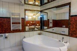 Hotel Óbester- Lakosztály fürdőszoba