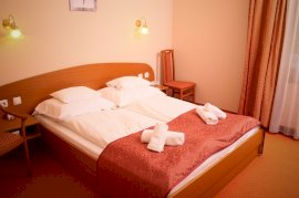 Franciaágyas szoba