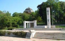 Szabadság téri emlékmű_Gödöllő és környéke Köztéri szobor ,...