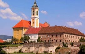 Ferences templom és rendház_Dunakanyar Templom , Ferences templom és...