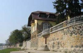 Egyedülálló vízpartbeépítés_Dunakanyar Különleges hely ,...