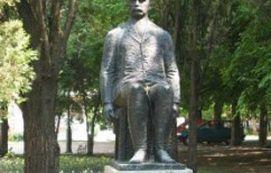 Veres Péter szobra_Hajdú-Bihar megye Köztéri szobor , Veres Péter...