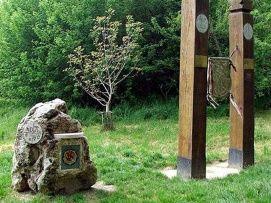 Szentesica forrás és a Koppány emlékmű_Balaton környéke...