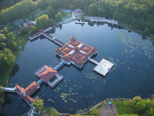 Hévízi tó_Nyugat-Dunántúl Látnivalók , Hévízi tó Látnivalók...