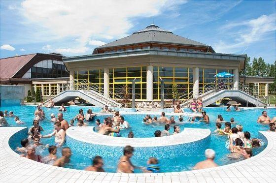 Jonathermál Gyógy- és Élményfürdő Kiskunmajsa Aquapark ...