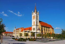 Magyarok Nagyasszonya Plébániatemplom_Balaton északi part Templom ,...