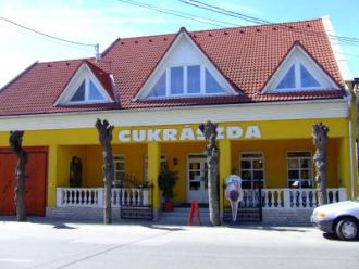 Piramis Cukrászda_Szekszárd és környéke Kávéház és cukrászda ,...