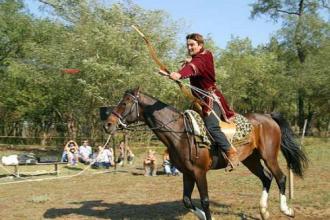 Árpád Vére Lovasiskola_Gödöllő és környéke Sport , Árpád Vére...