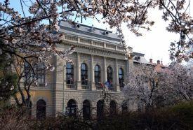 Városháza_Budapest és környéke régió Kulturális központ ,...