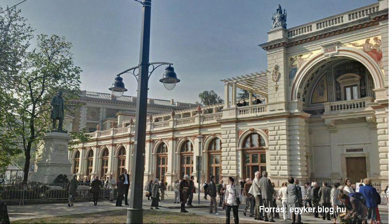 Várkert Bazár: Várkert Bazár Budapest Műemlék, Budapest