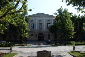 Városháza_Észak-Alföld Kulturális központ , Városháza...