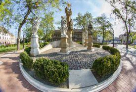 Szentháromság - szobor_Zala megye Köztéri szobor , Szentháromság -...