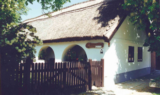 Tájház_Balaton Múzeum , Tájház balatoni múzeumok, kiállítások...