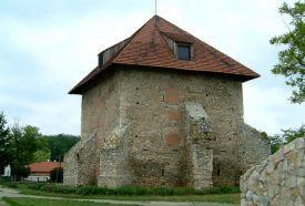 Kula Gótikus lakó- és őrtorony (XIII. század)_Fejér megye Múzeum ,...